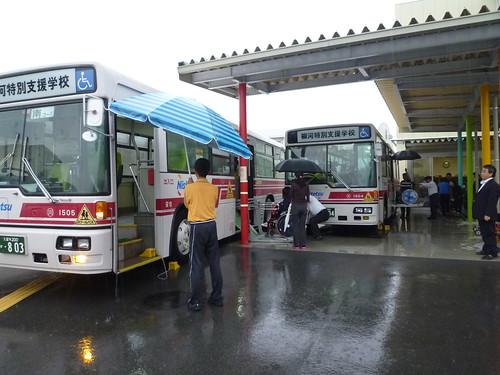 柳河特別支援学校バス停車場2年前